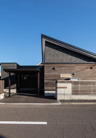複合屋根外観
